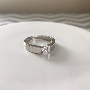NEW 925S diamond silver wedding band ring- size 7